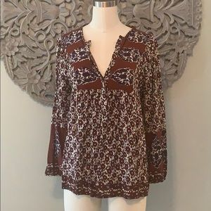 Lucky brand blouse size Medium.